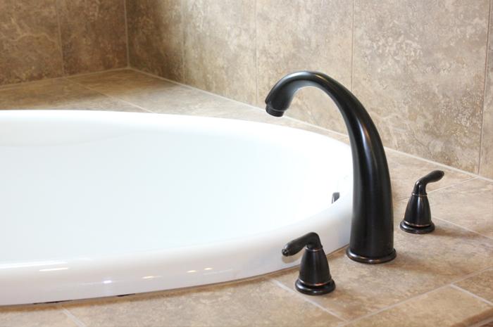 Pearl Maax soaking tub